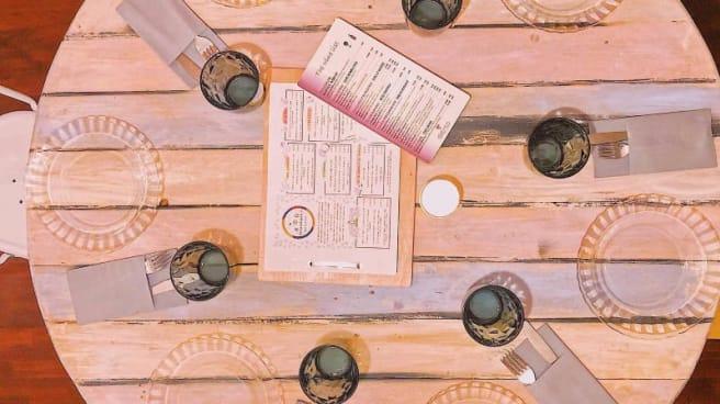 detalle de la mesa - Serendipia Slow Food & Bar, Torremolinos