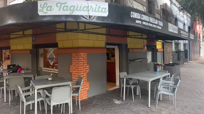Fachada - La Nueva Taguarita