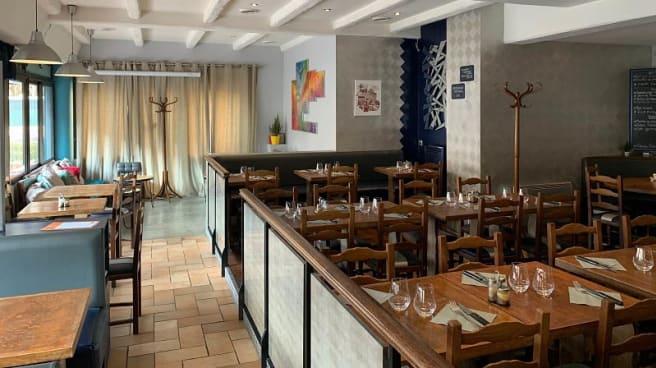 Vue de la salle - Le First Café, Clichy