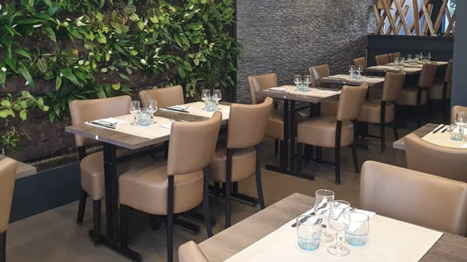 Salle du restaurant - Bleu Basilic, Ermont