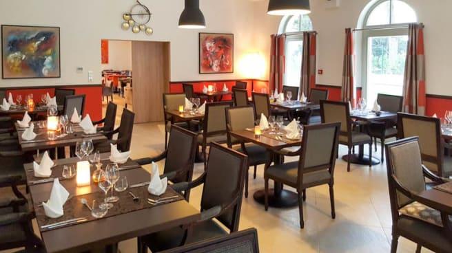 Vue de la salle - Café Vauban - Castel Maintenon