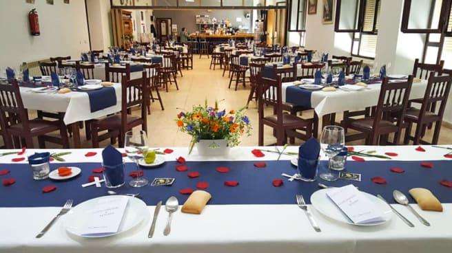 Sala - Cafetería Restaurante Centro San Luis