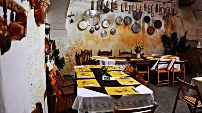 Vista sala - Antica Osteria Santa Chiara, Altamura