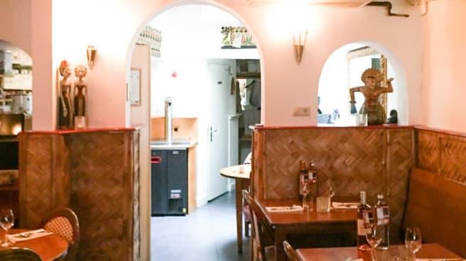 Het restaurant - Surakarta, Leiden