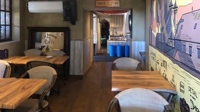 Salle du restaurant - The Queen's Leg's Pub, Valbonne