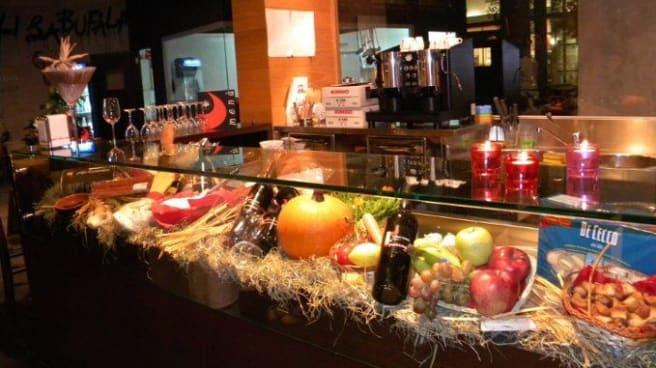 prodotti tipici in bella mostra - Fratelli La Bufala - Biella, Biella