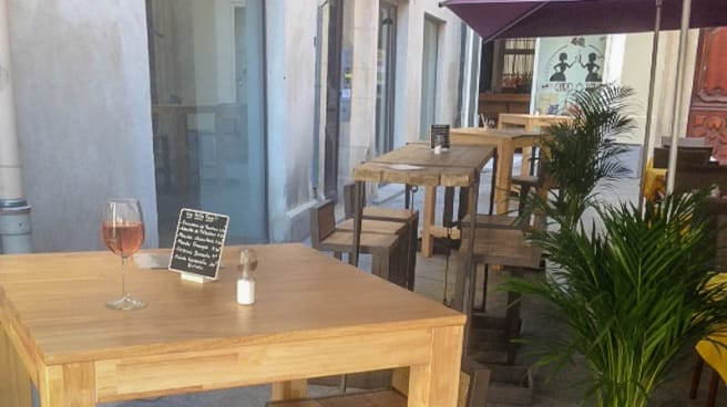 Bienvenue sur notre terrasse - Gard Ô Vin, Nîmes