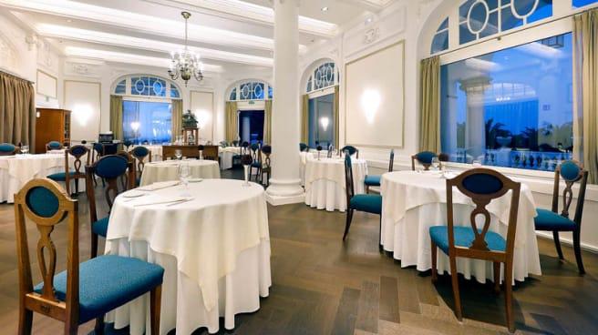 Vista sala - El Puntal - Hotel Real Santander, Santander