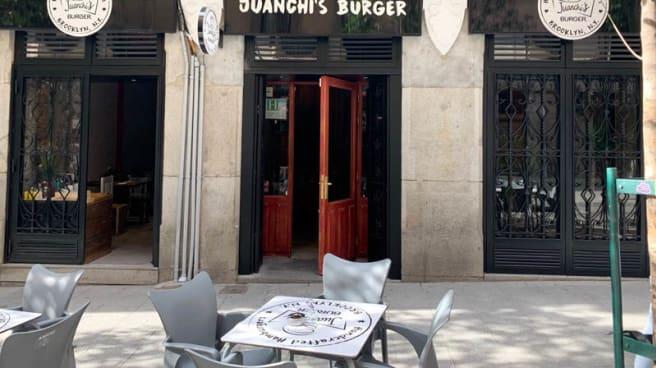 Terraza - Juanchis Burgers San Miguel, Madrid