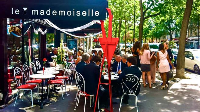 Vue terrasse - Le Mademoiselle, Paris