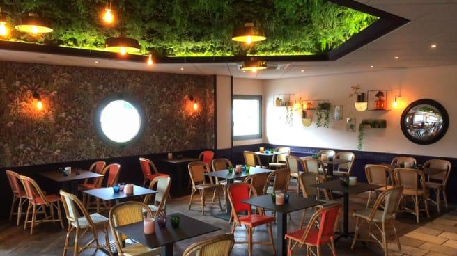 Salle du restaurant - Resto Bistro D'UO, Rumilly