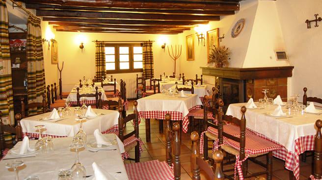Vista sala - La Chimenea - Guadarrama, Guadarrama