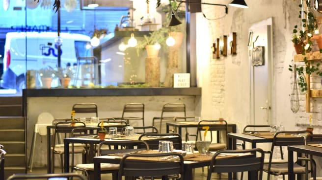 Sala - MAAI - Brunch Local Food, Barcelona