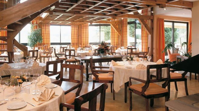 Salle de restaurant - Hôtel Restaurant La Belle Vue