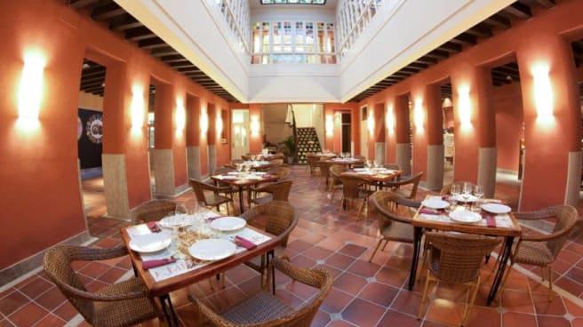 Vista sala - Los Patios de Beatas, Málaga