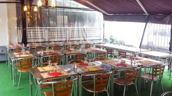 La terrasse - La Calabria, Clichy