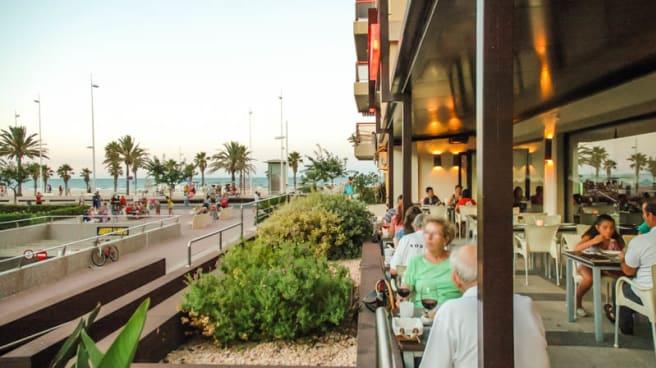 Vista terraza - La Pizzería