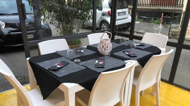 Esterno - I set7e Vizi, Catania