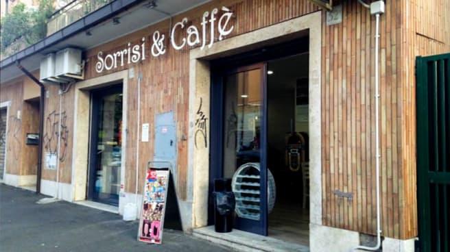 Entrata - Sorrisi & Caffè, Roma
