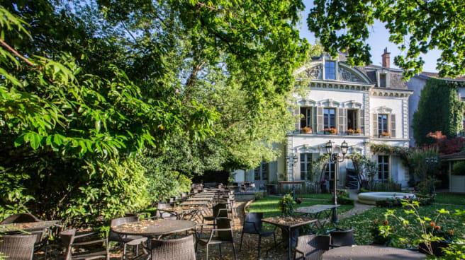 Terrasse - Fantin Latour, Grenoble