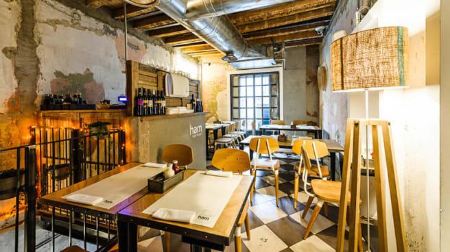 Sala del ristorante - Ham Holy Burger Marghera, Milano