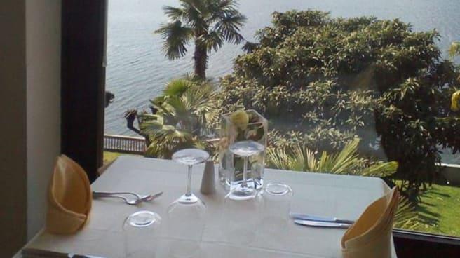 Particolare decorazione tavolo - Ristorante il Lido, Angera