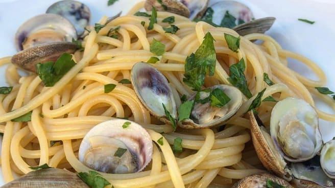 Spaghetti con le vongole - Primo Osteria