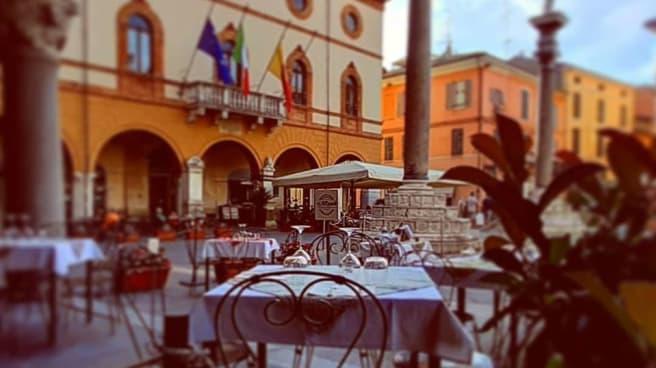 Esterno - Al Cairoli, Ravenna