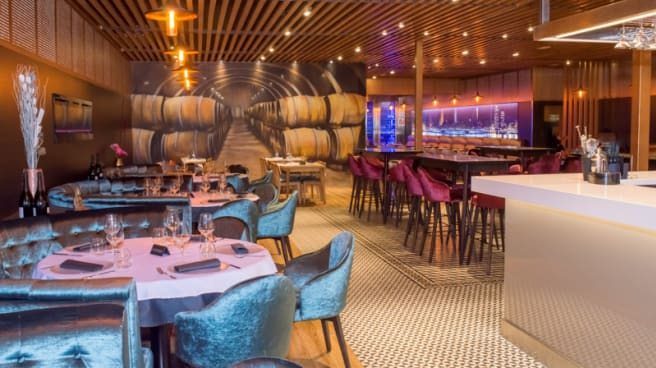 Sala del restaurante - Adrian's, Cornella De Llobregat