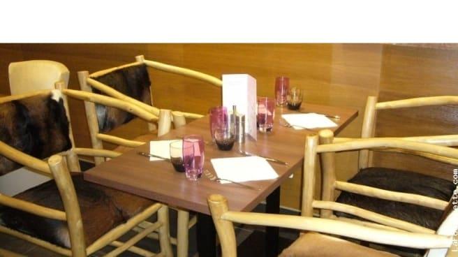 Table dressée - Le Chalet des Crêpes, Saint-Denis