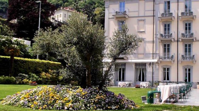 Giardino esterno al Ristorante Ulivo - Ulivo - Grand Hotel Imperiale