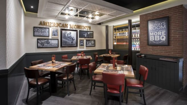 Sala - Tony Roma´s - Castellana, Madrid