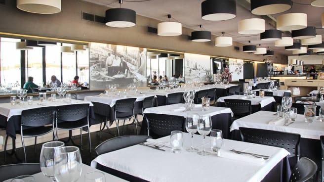 Sala a la hora de comer - Arenal Restaurant, Barcelona
