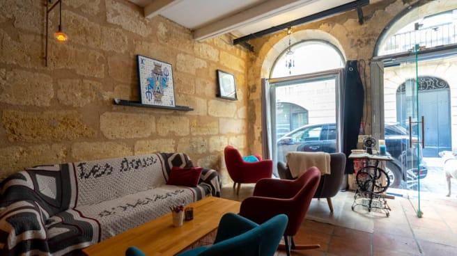 Vue de la salle - Les Doux Secrets d'Hélène, Bordeaux