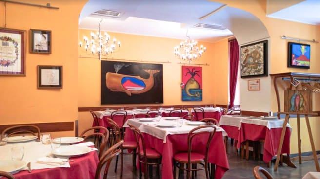 La sala - Umberto, Napoli