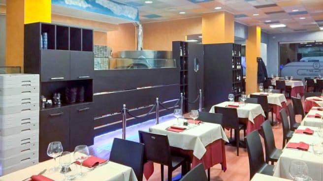Vista sala - Al Faro 64 Via Novara, Milano