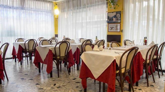 La sala - Grazie Pizza, Milan