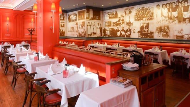 Salle du restaurant - Place Bernard, Bourg-en-Bresse