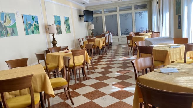 Sala - Ristorante Liberty Cafè, Riva Del Garda