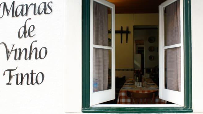 detalhe fachada - Marias de Vinho tinto, Lisboa