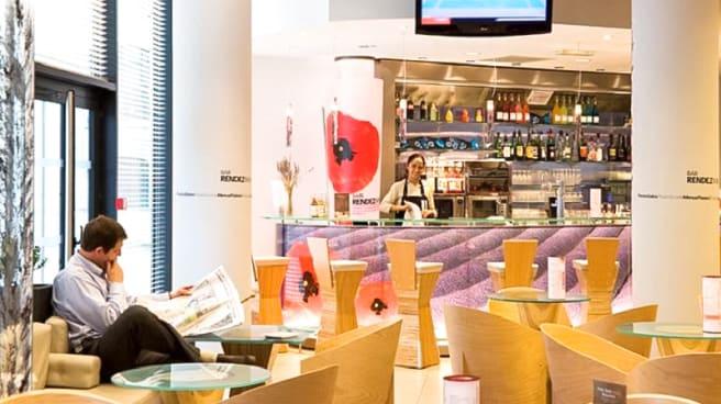 Salle du restaurant - Ibis Euromed, Marseille