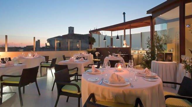 Roof Garden per cena - Le Quattro Spezierie Gourmet Restaurant & Roof Garden, Lecce
