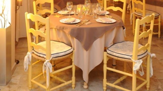 Salle du restaurant - Le Mas des Aigras, Orange