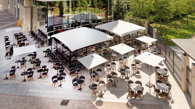 Une magnifique terrasse..! - Le Cube Café, Bois-Colombes