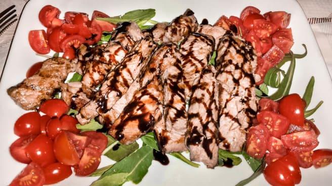 carne con pomodorini - La Taverna, Manduria