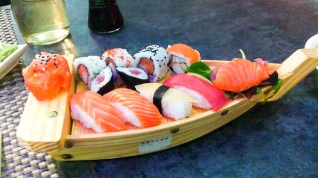 Barca di sushi - Nuova Asia, Trento