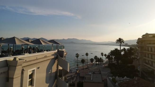 Salle - Joon, Cannes