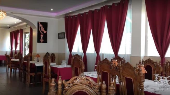 Salle du restaurant - Taj, Viry-Châtillon
