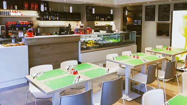Sala - Bicenter Cafè Salad Bar & Bistrot, Padua