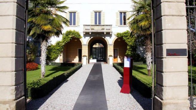 Entrata - Villa Giavazzi_ Osteria Caffè, Verdello